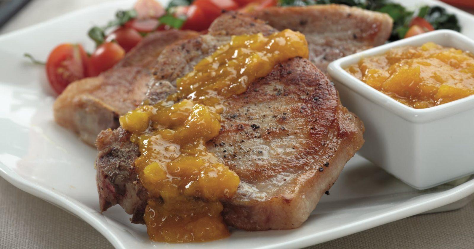 Chuleta de Lomo de Cerdo en salsa de tomate de árbol