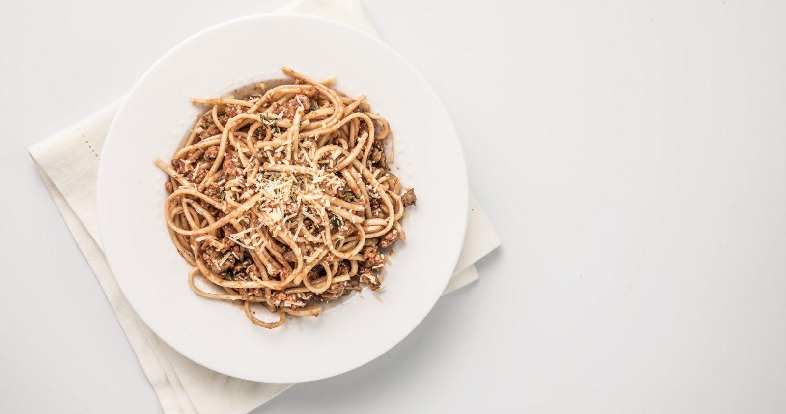 Espaguetti En Salsa Napolitana Con Carne Molida De Cerdo