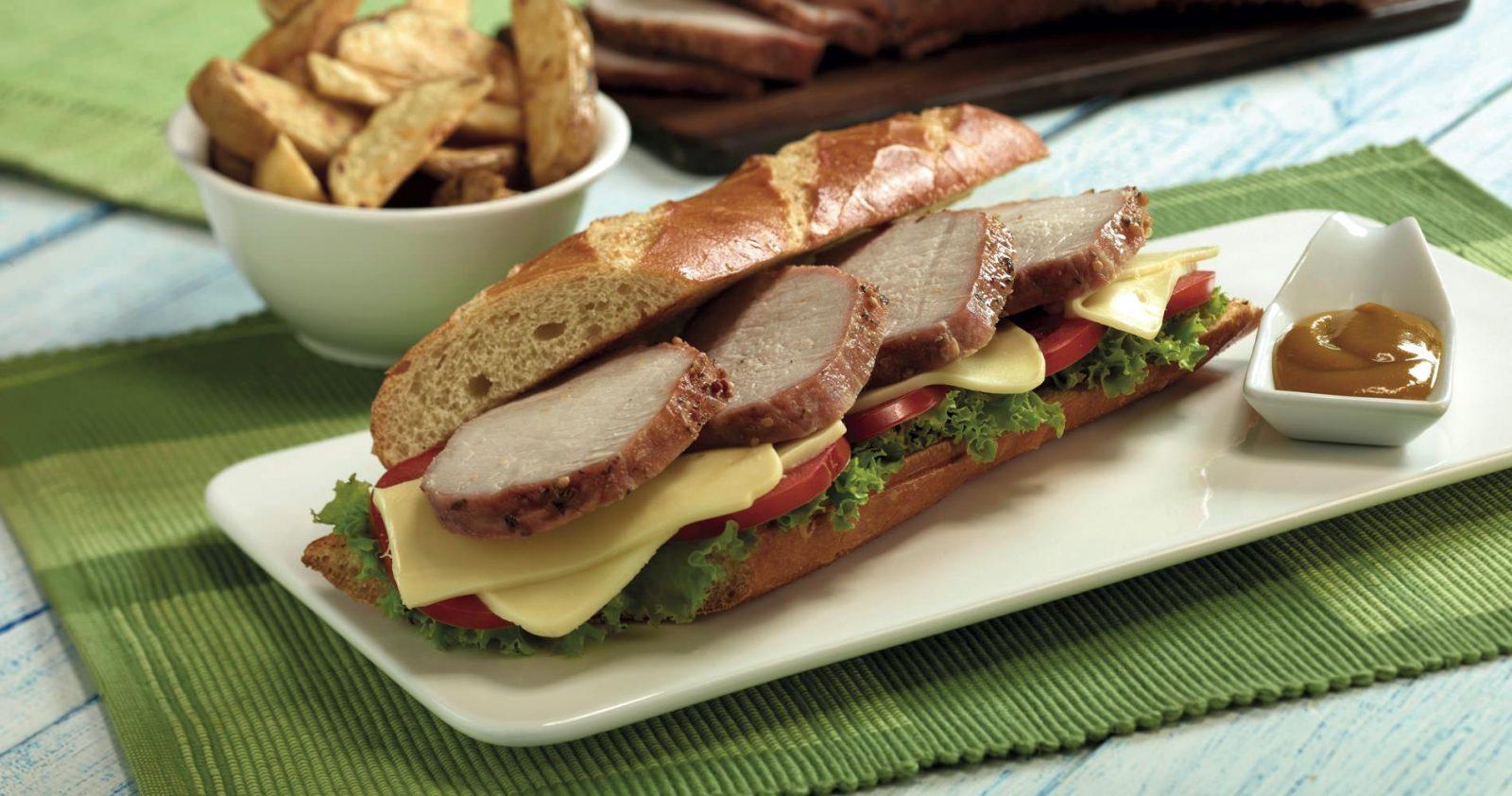 Sandwich De Lomo De Cerdo Con Miel Mostaza