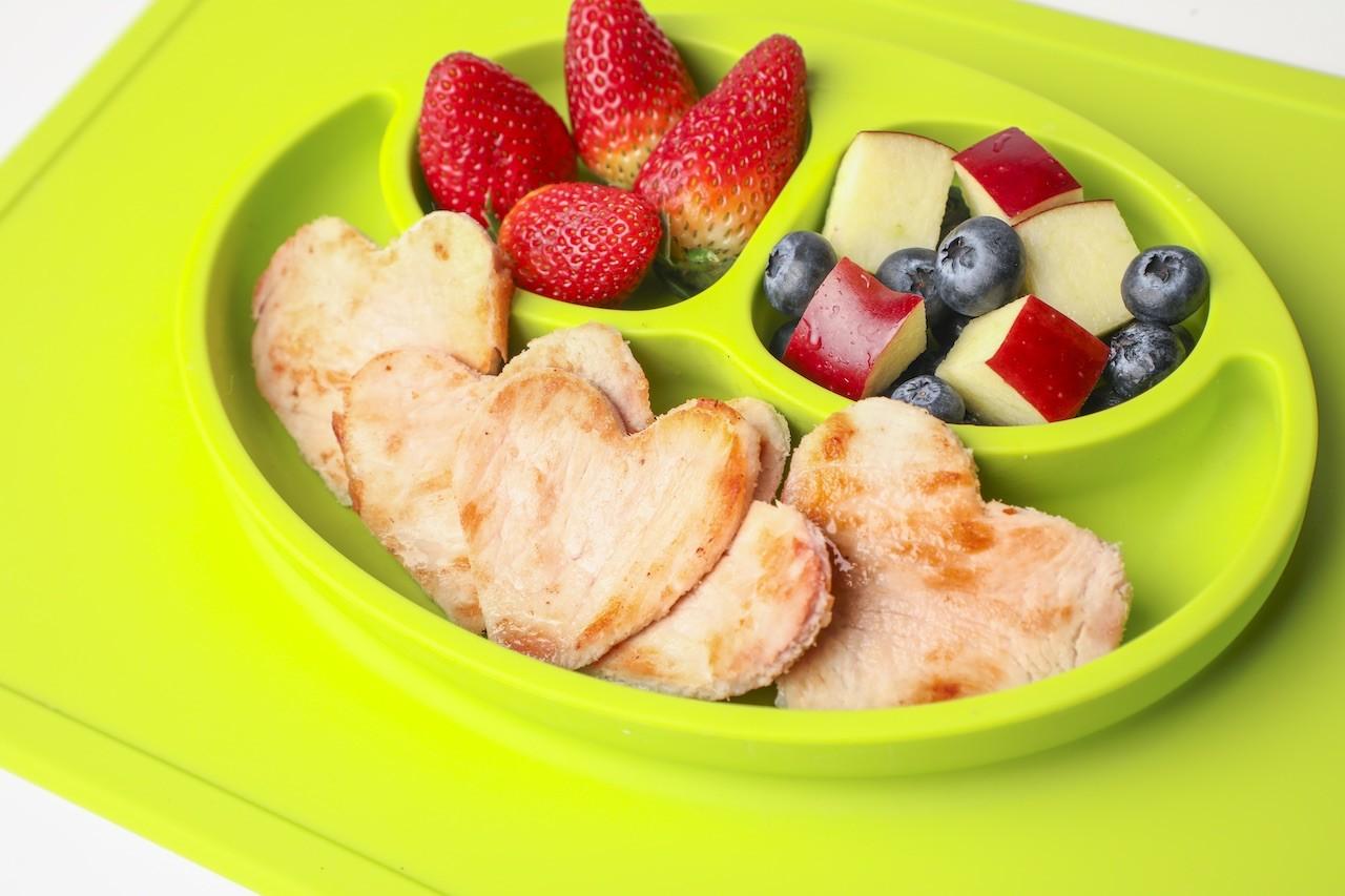 Snacks De Corazones De Pierna De Cerdo Y Frutas